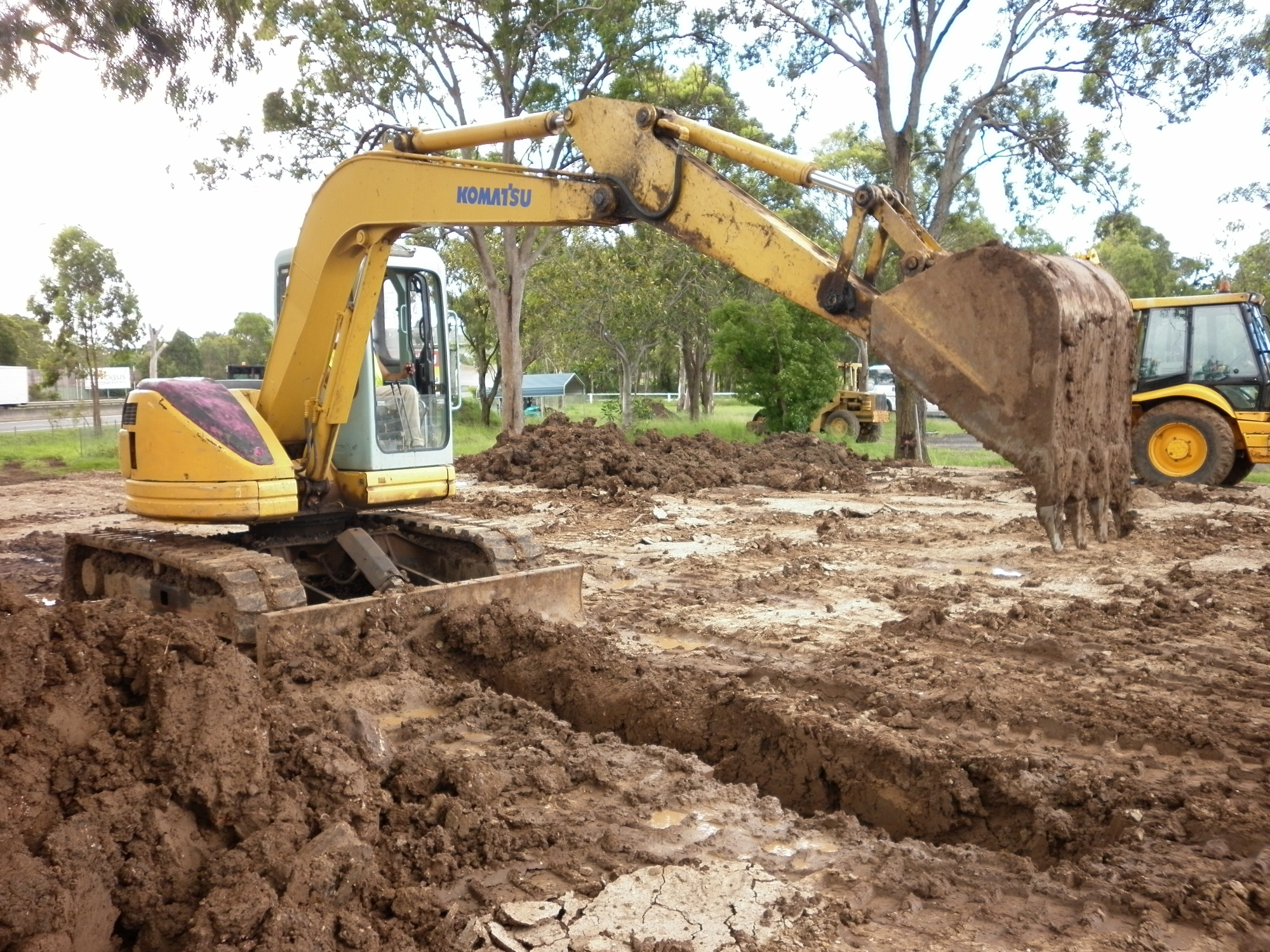 Excavator Digging Trench 1 Smiths Training