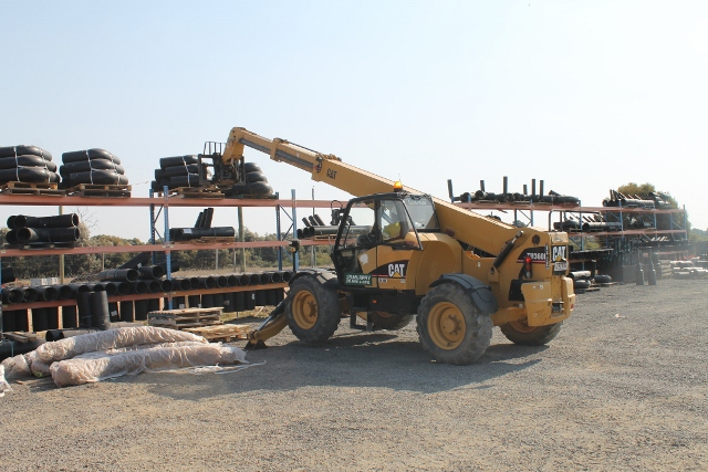 Cat Telehandler (640x427)